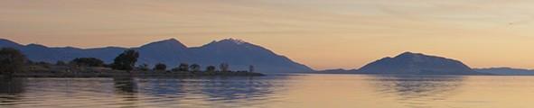 cropped-lake_02.jpg